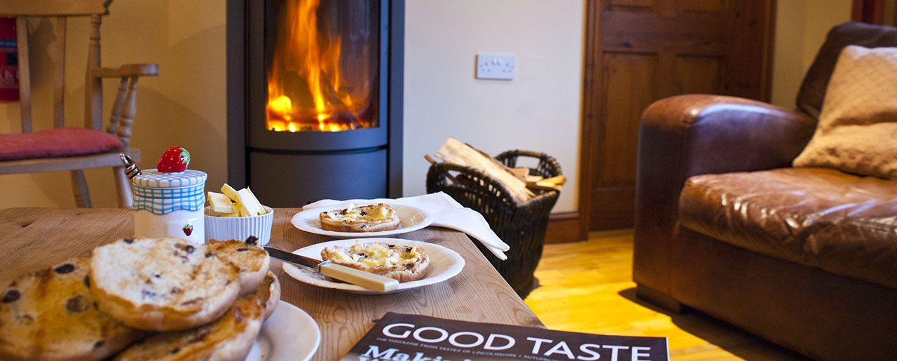 Cosy wood burner for those cool winter holidays, combined with toasted tea cakes and a hot cup of tea and dog friendly as well!